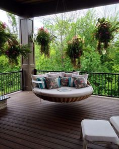 Create pallet daybed DIY daybed plans - Wohnaccessoires - Deco Home Pallet Daybed, Diy Daybed, Daybed Ideas, Dream Rooms, House Rooms, Home Interior Design, Room Interior, Brick Interior, Outdoor Spaces