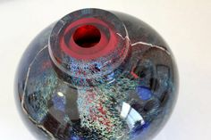 Intricate glass vase by Randi Solin. http://solinglass.com