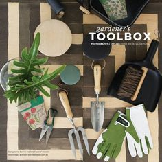 Get your hands on the brand new @plantedmagazine for all our #burgonandball #tools available at www.glowpear.com.au ... brought to you by @adoremagazine! Spreading the urban jungle! #urbangardening #glowpearco #urbangarden #selfwatering #growyourown