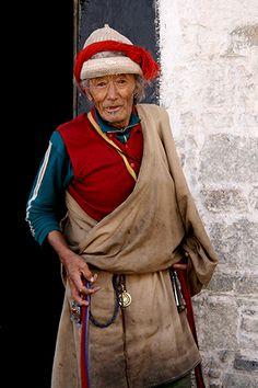 Herdsmen of the grasslands . Tibet