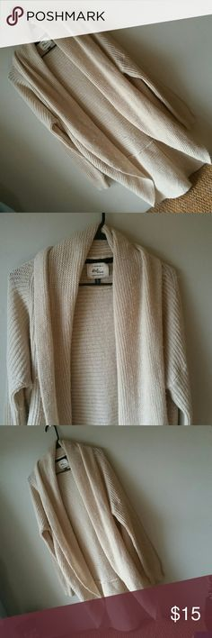 Super Comfy Cream Sweater Super comfy cream sweater! Light pilling. Small hole on bottom right side. Great for fall with leggings and boots. Tags says medium but I say can fit medium to XL depending on how youwant it to fit.  I offer a 10% discount when you bundle and purchase 2 or more items from my closet. Happy poshing! Cotton On Sweaters