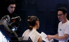 Star Wars BTS - Interrogatin scene - Adam Driver & Daisy Ridley (Kylo Ren & Rey)