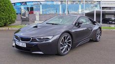 https://youtu.be/lDvUOuOUaks  En este video os hago una review en profundidad del BMW i8. Interiores, exterior, sonido del motor, ...  Año de fabricación: 2015 (...)