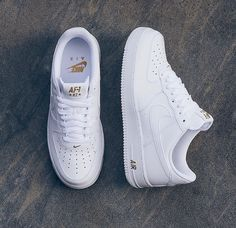 Nike Air Force 1 - listed at Best of - arzu - Schuhe Damen Nike Air Shoes, Sneakers Nike, White Nike Shoes, Souliers Nike, Shoe Boots, Shoes Sandals, Heels, Kicks Shoes, Hype Shoes