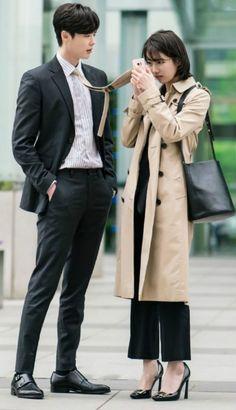 Lee Jong Suk & Suzy While You Were Sleeping . Um dos melhores dramas que já vi Lee Jong Suk Cute, Lee Jung Suk, Korean Drama Best, Korean Drama Movies, Korean Dramas, Kdrama, Asian Actors, Korean Actors, Korean Idols