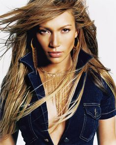 Jennifer Lopez wearing Laura Cardillo Gold Fringe Choker