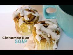 Soap that looks like a cinnamon roll! Vanilla and cinnamon scented Toni Ellison: Cinnamon Bun Soap Tutorial Graham, Melt And Pour, Soap Tutorial, Cinnabon, Cracker, Desserts To Make, Cupcakes, Soap Recipes, Home Made Soap