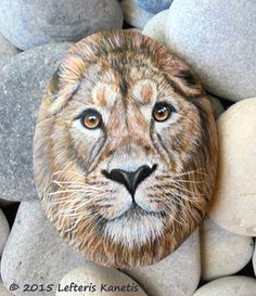 80 Creative DIY Home Decor Ideas with Pebbles and River Rocks That Will Find a Good Use for Your Stone Collection - Usefull Information Pebble Painting, Pebble Art, Stone Painting, Painting Art, Painted Rock Animals, Hand Painted Rocks, Painted Pebbles, Stone Crafts, Rock Crafts