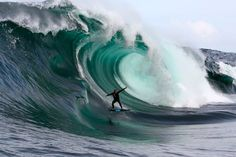 Go To The World...: 13 Cool Big Wave Surfing Pictures