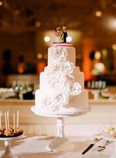 Menlo Circus Club Wedding ~ Cake by sweettoothconfections.net, Photography by lisalefkowitz.com