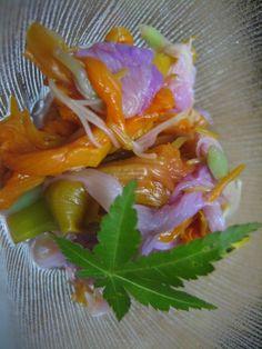 紙漉き体験民宿 Washi Studio かみこやヤブカンゾウとオオバギボウシのユズ酢和え。ユズは自家栽培(といってもほぼ野生です^^)の柚子