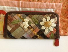 VintageStyle/Patchwork Purse With Leather Pocket Woman Appliqued Azmino Patch Purse For Lady Clutch Autumn Style by on Etsy Cash Wallet, Long Wallet, Purse Wallet, Pouch, Japanese Patchwork, Patchwork Bags, Quilted Bag, Rose Quartz Bracelet, Bag Patterns To Sew