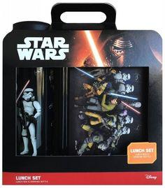 Deze Lunchset van Star Wars is ideaal om mee naar school te nemen en je favoriete lunch erin te doen, daarnaast laat je gelijk zien dat je een echte Star Wars fan bent. Ditmaal in de rebels uitvoering en is geschikt voor kinderen vanaf vier jaar.