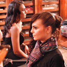 Aspettando di scattare... nel mio show-room fotografie di moda con @annamadonia @lisa_toppi e il fotografo @lorefras ! #livorno #hat #style #fashion #womenfashion #instaitalia #instaitaly #italy #fascinator #instagood #instadaily #instalike #madeinitaly #arte #artigianato #artigian #ragazza #modella#model  #girl