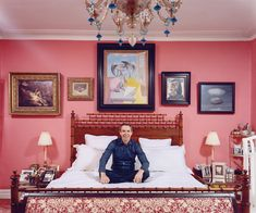 Pink bedroom of artist Jeff Koons... noticed all the masterpieces hanging on the walls?