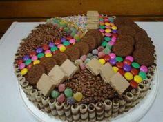 fotos de tortas de cumpleaños originales Torta Candy, Candy Cakes, Cupcake Cakes, Kit Kat Candy, Creative Food, Chocolate Cake, Gingerbread, Cake Decorating, Food And Drink