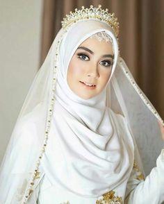 Muslim Wedding Gown, Hijabi Wedding, Wedding Hijab Styles, Kebaya Wedding, Malay Wedding Dress, Muslimah Wedding Dress, Muslim Wedding Dresses, Muslim Dress, Muslim Brides