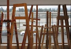 How To Choose An Easel: Kinds Of Easels, Tips & Pointers