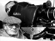 Francesco Rosi http://image.toutlecine.com/photos/3/0/f/3-freres-tour-1981-01-g.jpg