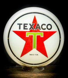 Original Texaco Gas Globe Vintage Signs, Vintage Ads, American Gas, Pompe A Essence, Vintage Gas Pumps, Oil Field, Old Gas Stations, Filling Station, Garage Signs