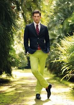 absynth (a lighter shade of lime green) pants and cropped navy balzer, no socks Preppy Men, Preppy Style, Men's Style, Lime Green Pants, Green Chinos, Red Gingham Shirt, Outfits Hombre, Mens Fashion, Fashion Outfits