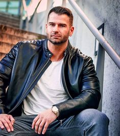Leather Jeans Men, Leather Jackets, Urban Male, Gorgeous Men, Beautiful, Streetwear, Toms, Hot Hunks, Cool Jackets