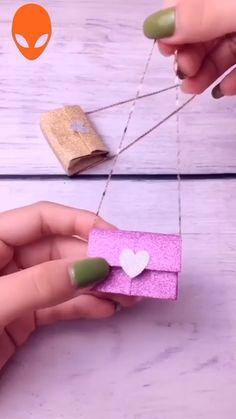 Easy Paper Crafts, Diy Home Crafts, Diy Paper, Fun Crafts, Crafts For Kids, Arts And Crafts, Paper Flowers Diy, Paper Roses, Diy Handbag