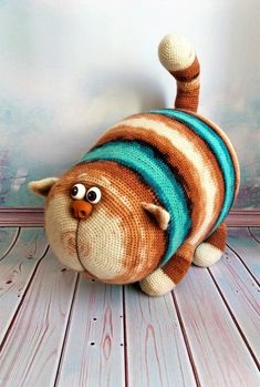 Crochet Art, Crochet Doll Pattern, Crochet Toys Patterns, Cute Crochet, Crochet Dolls, Crochet Geek, Knitted Animals, Stuffed Animal Patterns, Amigurumi Doll