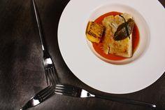 Baccalà cotto a basa temperatura con crema di peperone, polentina arrostita e caviale di melanzane.