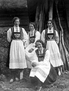 Norway Viking, Folk Clothing, Tribal Dress, Hardanger Embroidery, Wedding Costumes, Folk Costume, Festival Wear, Vintage Photography, Traditional Dresses