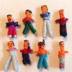 Anna hat ein Foto des gekauften Artikels hinzugefügt Worry Dolls, No Worries, Sewing Projects, Great Gifts, Artisan, Etsy, Pillows, Anna, Handmade