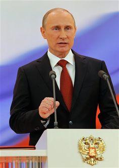 Vladimir Putin returns as Russian President for a third term  http://ndtv.in/LutvEp