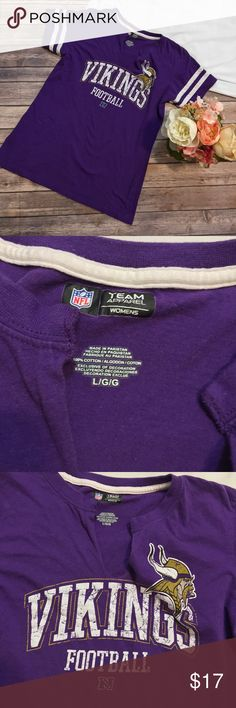 """NFL Minnesota Vikings Women's Top Size L Great used condition! Great for the current football season. Features a cute cut front of the collar for a comfortable women's fit. Approximate measurements-  chest: 17.5""""   Length: 23"""" NFL Tops Tees - Short Sleeve"""
