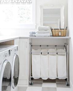 Clever Storage Ideas for a small laundry room. Even if you're dealing with a very small laundry space, there are ways you can fit in all the functionality of a much larger room. All it takes is a little ingenuity. Laundry Room Organization, Laundry Room Design, Small Laundry Space, Small Spaces, Laundry Room Inspiration, Farmhouse Laundry Room, Basement Laundry, Laundry Closet, Farmhouse Style
