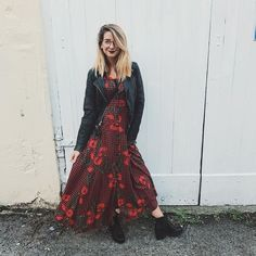 It's a Zara number and I'm obsessed with it! Warm Outfits, Cute Outfits, Styled By Susie, Zoella Style, Zoella Outfits, Zoella Hair, Autumn Fashion For Teens, Fashion Fall, Zoe Sugg