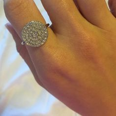 Beautiful, elegant ring Very pretty, worn only a few times. Accessories