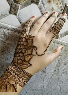 Most Beautiful Henna Designs to Show Off in Year 2019