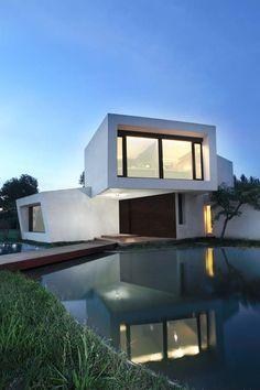 Casa Orquidea by Andrés Remy Arquitectos