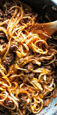 Easy flavorful  weeknight meal for you and your family- try this cheesy beef udon noodles on a busy weekday night!