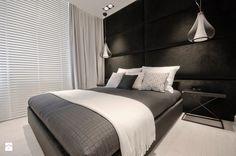 Apartament Olimpijski w Darłowie - Średnia sypialnia małżeńska z balkonem / tarasem, styl glamour - zdjęcie od Fabryka Wnętrz Alina Szymańska