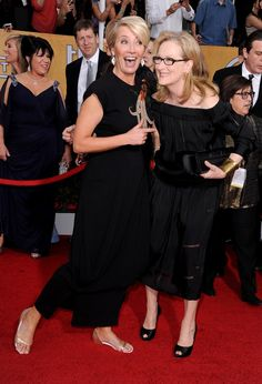 Pin for Later: Best of 2014: les 29 Moments les Plus Mignons du Tapis Rouge Emma Thompson et Meryl Streep aux SAG Awards                                                                                                                                                                                 Plus