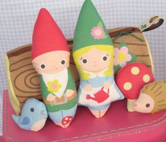 Gnome Dolls with Log Traveling Case  fantastictoys