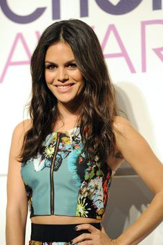 LOVING Rachel Bilsons hair! (and her two piece outfit)