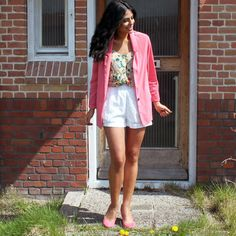Pink blazer outfit.