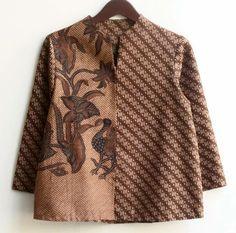 Batik Kebaya, Batik Dress, Batik Fashion, Ethnic Fashion, Blouse Batik Modern, Smart Dress, Blouse Models, Types Of Fashion Styles, Traditional Outfits