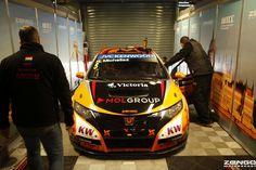 Michelisz Norbert brand new WTCC factory Civic finally in Team Zengo colours!