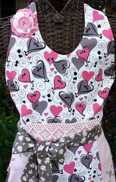 Sweetheart Full Wedding Apron  - Perfect gift for  the Bride!