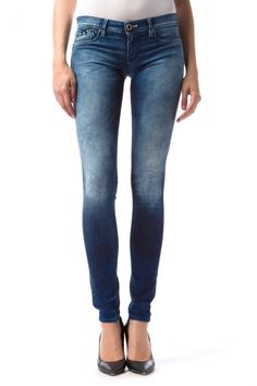 Sumatra Luxury 5-pocket jeggings with low rise, in soft, lightweight superstretch denim, like a second skin, enhanced with buttons and jewel rivets, ultra feminine with a touch of glamour.