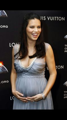 Pregnant Brazilian super model Adriana Lima -- one of Victoria s Secret  Angels. 3654753e49