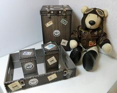 kit decoração urso aviador Boy Rooms, Leo, Lunch Box, Baby, Baby Room Boys, Toddler Girls, Stuff Stuff, Boy Bedrooms, Bento Box